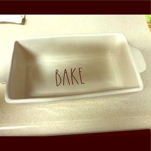 """Rae Dun """"Bake"""" Dish"""